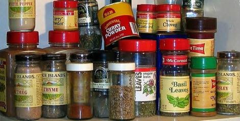 131143-Spices 750x38072dpi