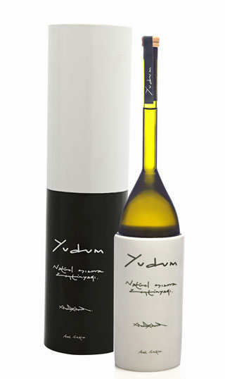 131204-Umit Unal olive oil bottle W320 100dpi