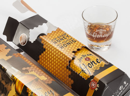 140837-2014_0371 Jim Beam Honey Promotional Packaging W540 100dpi