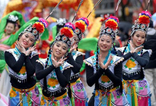 141221-Chinese-new-year-parade W540 100dpi