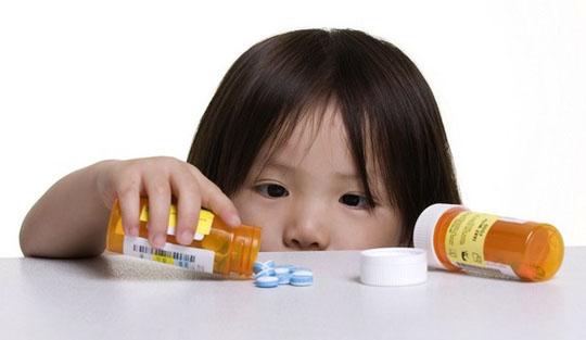 150110-young-girl-pills-130930-W540 100dpi