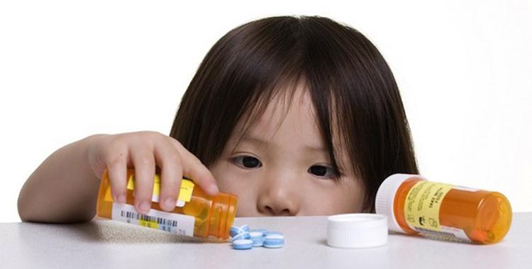150110-young-girl-pills-750x380 72dpi