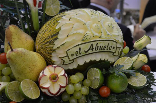 150240-Artfully carved fruit, need we say more DSC_1200-W540 100dpi