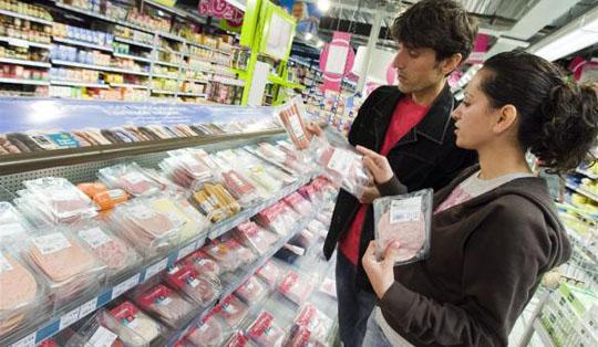 150321-kans-op-vlees-zieke-dieren-in-supermarkt W540 100dpi