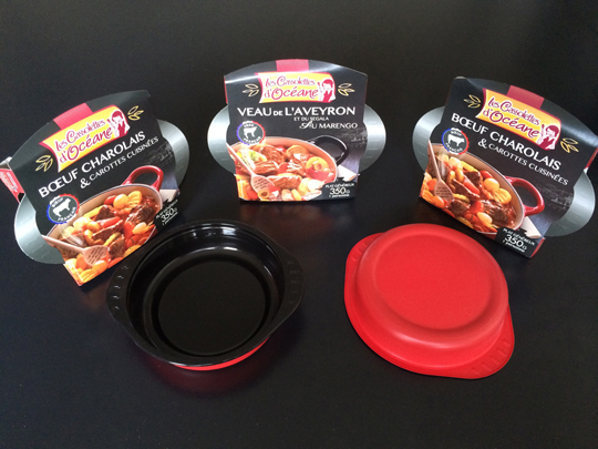 Thermoformed PP tray in the style of a casserole dish for Gendreau, a French ready-to-eat meal manufacturer. Packaging manufactured by RPC.