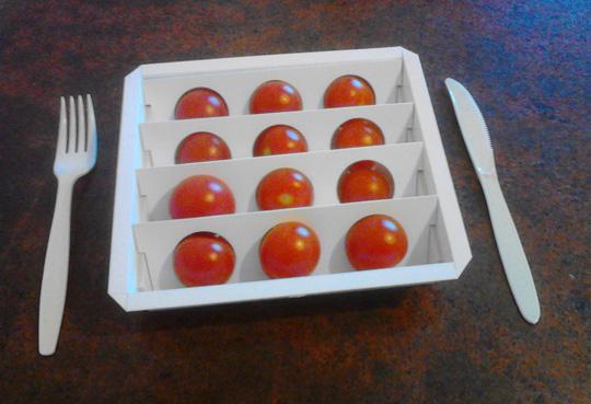 160311-salad-cutter-tomatoes-w540-100dpi